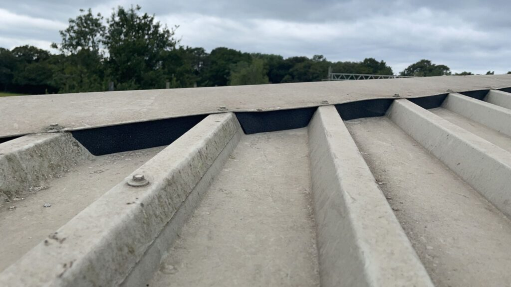 repair work to a warehouse and office roof in Salfords Redhill Surrey