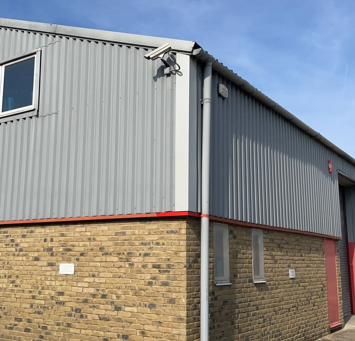 cladding repairs on an industrial building in Faversham Kent